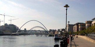 Quayside Bars Get Lifesaving Equipment in Case Customers Fall in Tyne