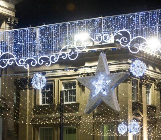 Christmas Lights on Grey Street 161117B_099